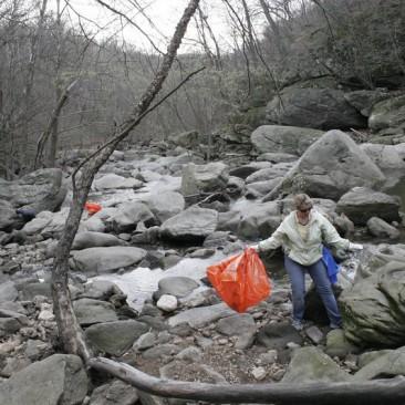 Northwest Branch Adopt A Crag – Fall 2015