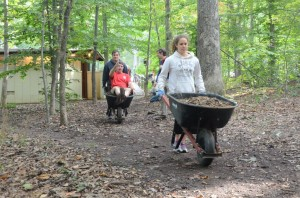 MAC Carderock Volunteers get mulch to the cliff base